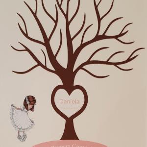 árbol huellas niña 4